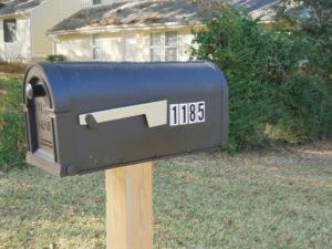 1185 Arlington mailbox